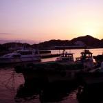 五島行きの船が頻繁に入出港する