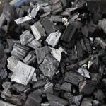 廃材で自家製炭を焼いている