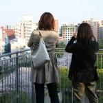 散策を楽しむ市民の姿も