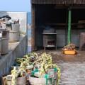 ろ過した濃塩水を煮詰める窯