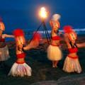 浜辺の幻想的なダンスは続く