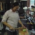収穫した加賀太きゅうりを調理中