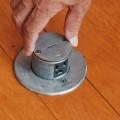 床埋め込み式AC100V3穴コンセント