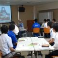 新入社員研修で講演中の横田BOSS