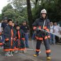 消防団による放水訓練が始まった