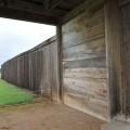 太い柵が全長3.6kmに渡って隙間なく並べられていた