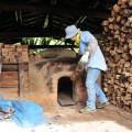 炭焼き小屋もある