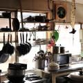 大人数の料理を作るキッチン