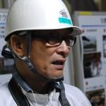 ヘルメットがよく似合う横田さん
