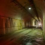 地下発電所へ続く長いトンネル