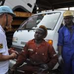 遠くガーナから現地で必要な部品を探しに来ている