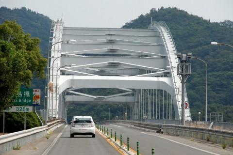 日本一長いアーチ橋「大三島橋」だが、しまなみ海道では最短
