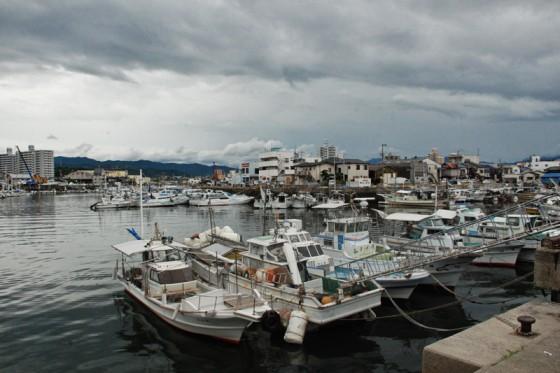 港が市街地と密着している