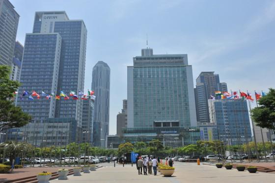 会場となったBEXCO周辺は近代的なビルが建ち並ぶベイエリアだ