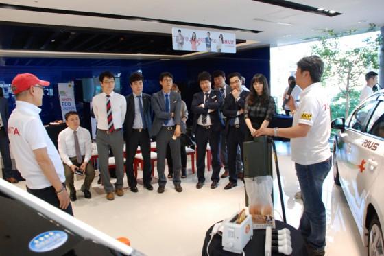 参加された方々からの情報では、韓国自動車メーカーでもPHVの開発が進んでいるとの事