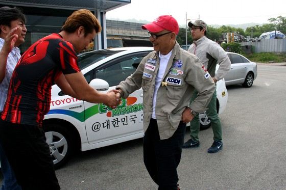 エコミッション@韓国の通訳キムさんが経営する中古車ディーラー店舗に立ち寄った