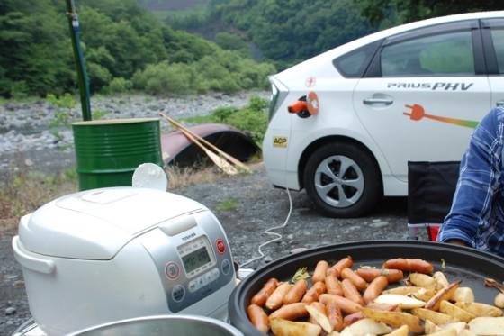 プリウスPHVの電気で大人11人+子供1人分の食事を用意できた。