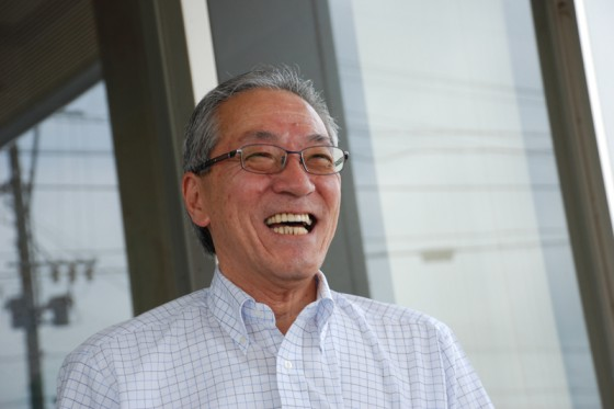 明るい笑顔で迎えてくれたグロージオの山本社長。