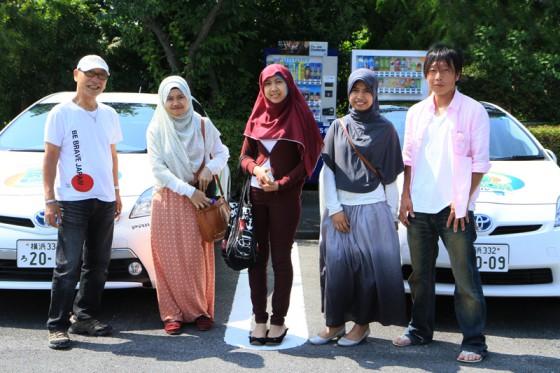 インドネシアからの客人と記念撮影