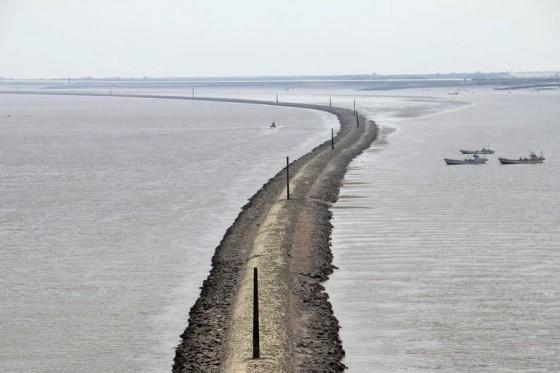 筑後川導流堤は設計者の名から「デ・レーケ導流堤」とも呼ばれている。
