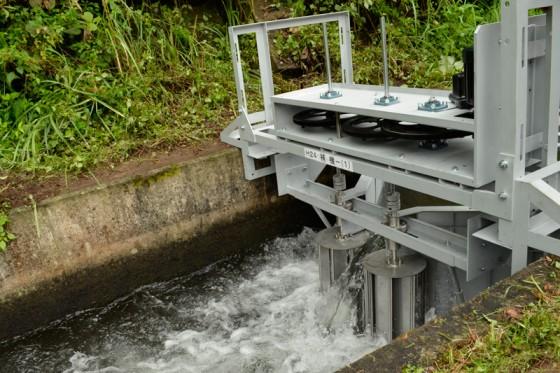 水中でも使えるという開発中の水車。資料提供:エネフォレスト株式会社