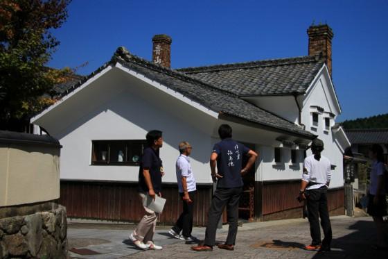 伊万里鍋島焼協同組合さんも案内に加わっていただいた。