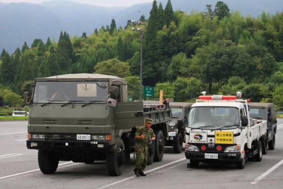 玖珠SAで休憩していると、陸上自衛隊「爆発物処理班」が入ってきた。