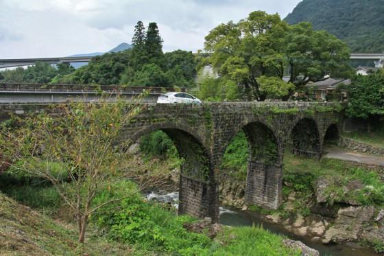 75基ある石橋を代表する5連アーチが美しい「鳥居橋」1915年架設。