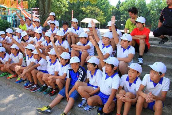 6年生も積極的にデモンストレーションに参加してくれた。