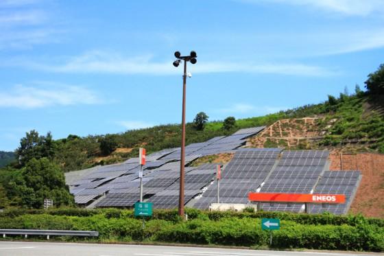 全国で初めてメガソーラーを併設したエコサービスエリア山田SA。